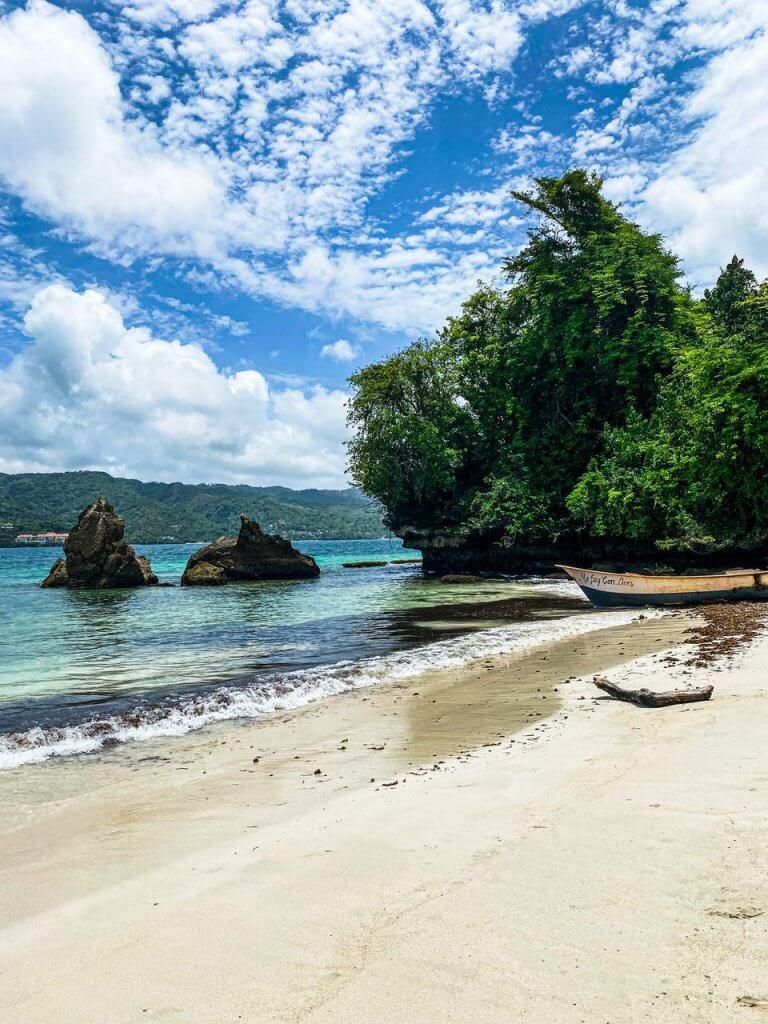 Wyspa Cayo Levantado zwana również wyspą Bacardi Dominikana co warto zobaczyć